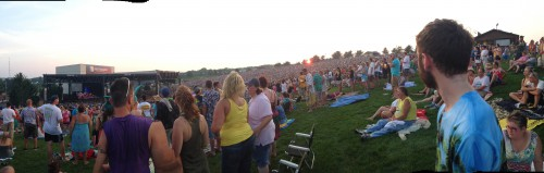 The lawn at Jimmy Buffett was absolutely packed. And the Panoramic feature on iPhones gives people weird arms.
