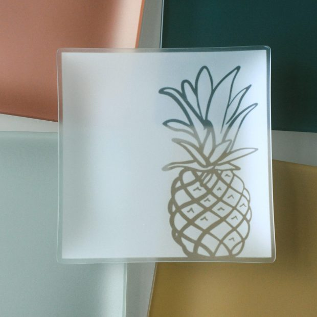 ihp-24-gifts-pineapple